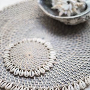 Placemat Rattan Round Shell | Grey Wash